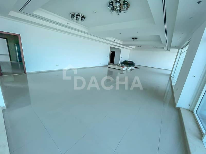 26 PENTHOUSE / Incredible Views / 5 Bed +Maid+Study