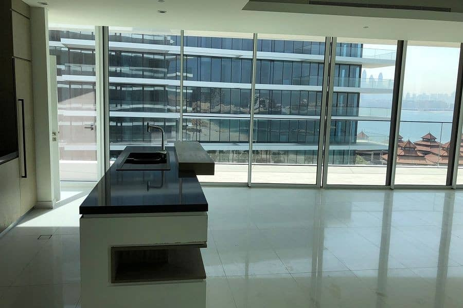 2 Sea facing Luxurious Apartment High end Finishing