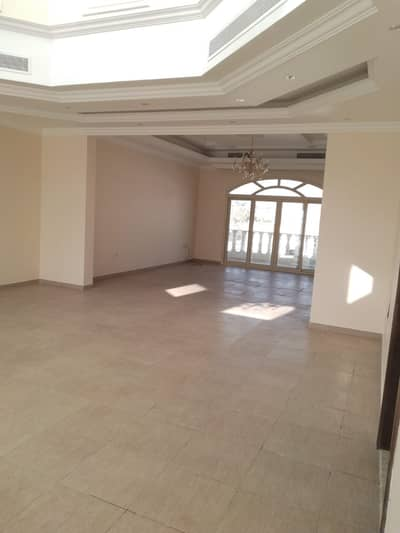 For rent a New  villa in Sharjah Al-Tarfan area  first inhabitant