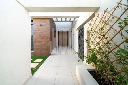 5 Bedroom Villa for Sale in Yas Island, Abu Dhabi - Amazing Single & Corner 5BR villa