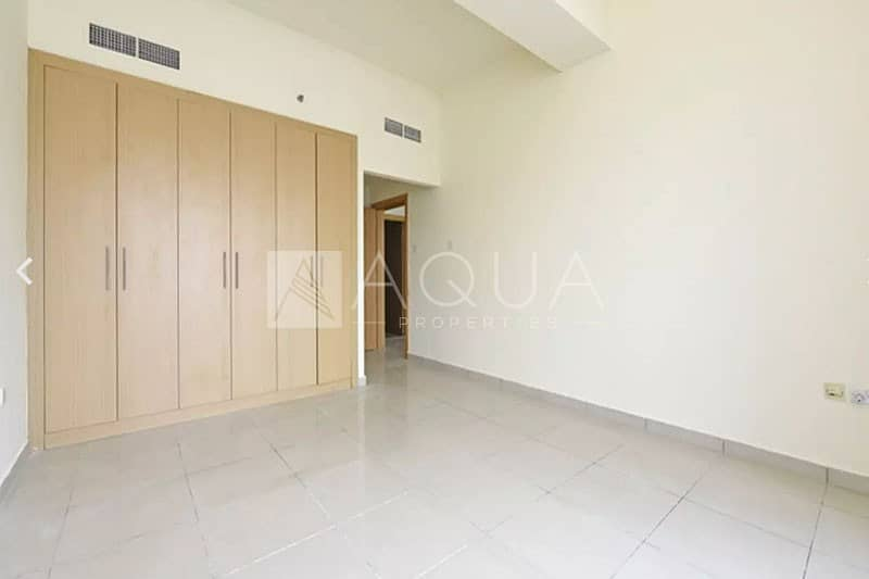 2 Vacant | Fully Furnished | Near the Metro