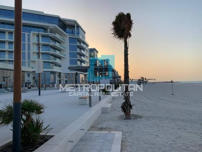 4 Payments  Beachfront Townhouse    Maids Rooms