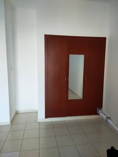 استوديو  للايجار في المدينة العالمية، دبي - شقة في الحي الإسباني المدينة العالمية 17000 درهم - 4989520
