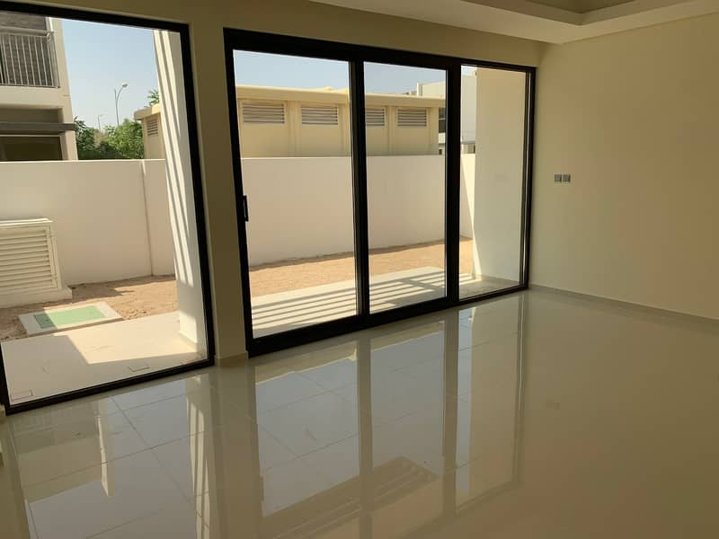 Book Today | Brand New Townhouse | No Commission