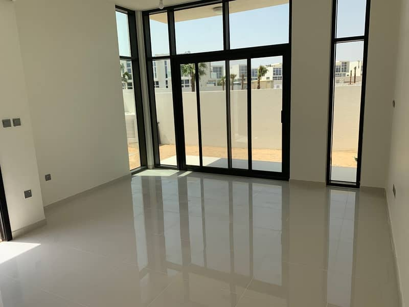 2 Spacious 3BR New Townhouse in Akoya Oxygen
