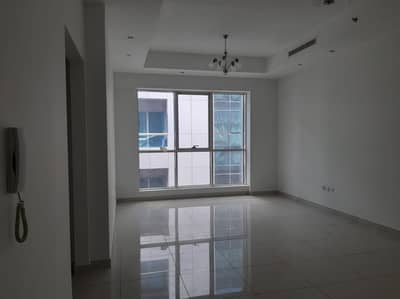 Ready to move/ 1bhk 2bath /Parking free /gym pool /family building
