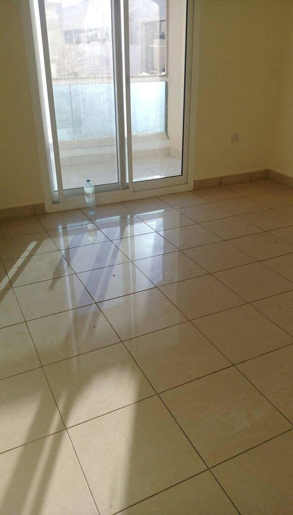 شقة في الورقاء 2 غرف 37999 درهم - 4991091