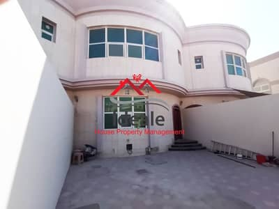 Excellent 4BR villa with balcony and parking