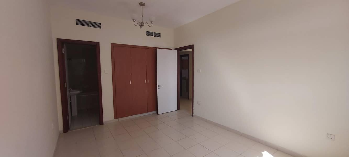2 1 BEDRROM WITH BALCONY ITALY CLUSTER FOR RENT
