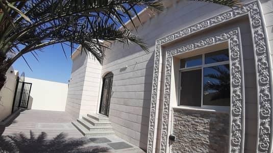 فیلا 3 غرف نوم للايجار في شب الاشقر، العین - فیلا في شب الاشقر 4 غرف 70000 درهم - 4991785