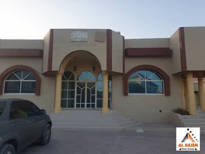 Large-sized villa for rent for large families on the corner of the street and on both streets in Al Rawda area in Ajman
