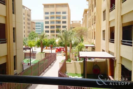 2 Bedroom Apartment for Rent in The Greens, Dubai - Upgraded | Large 2 Bedrooms | Study Room
