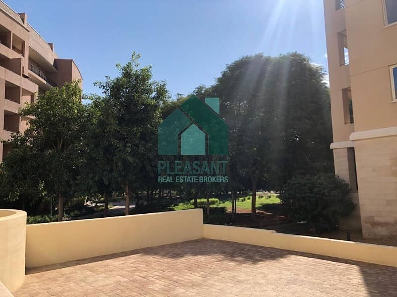 BRIGHT CORNER | XL -1BR FOR RENT | COMMUNITY VIEW