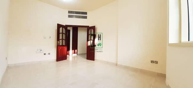 فلیٹ 2 غرفة نوم للايجار في آل نهيان، أبوظبي - Spectacular 2BHK with Storage plus close saloon