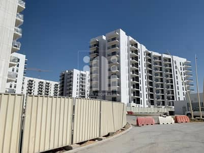 2 Bedroom Apartment for Sale in Yas Island, Abu Dhabi - 2 Br. Apartment with Balcony  | Canal view |  No Commission
