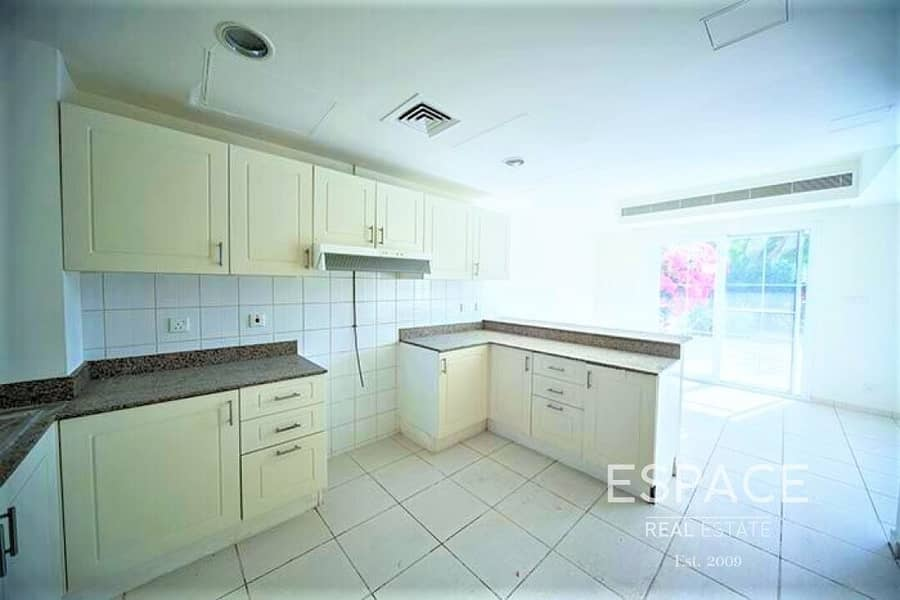 13 3 Bed 2M on a Great Location Near Pool and Park