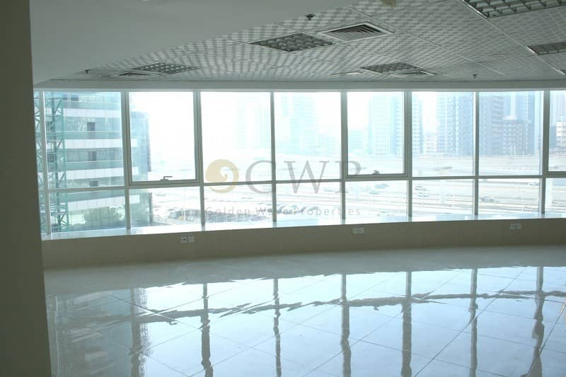 Fitted office I Lake and SZR view I Low floor