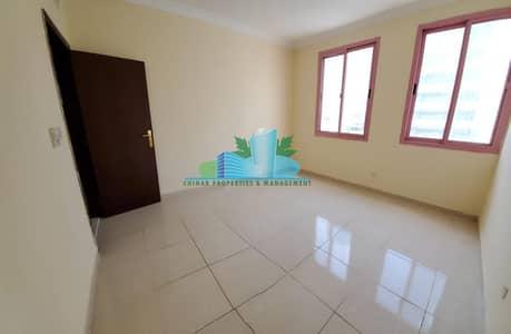 شقة 2 غرفة نوم للايجار في شارع حمدان، أبوظبي - AMAZING 2 BHK with 2 Full Bathroom| 4 cheques