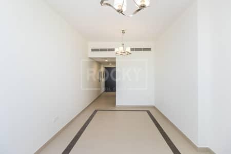 شقة 2 غرفة نوم للايجار في مدينة دبي الرياضية، دبي - Large Size I Maintenance Free I Balcony I 30 Days Free
