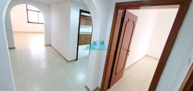 فلیٹ 2 غرفة نوم للايجار في شارع الفلاح، أبوظبي - 2 BHK | 1 Master Room | Balcon