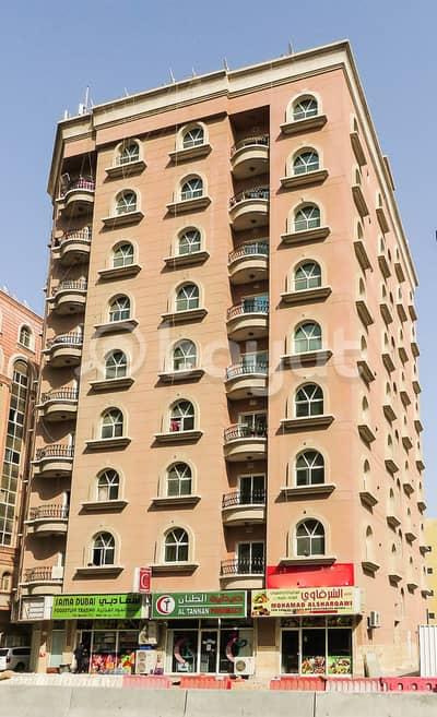 شقة 2 غرفة نوم للايجار في الراشدية، عجمان - شقة بعجمان بشارع المرور القديم غرفتين وصالة مساحة كبيرة بلكون