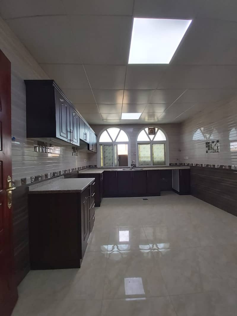 Amazing 3 Bedroom Majlis on Ground Floor with Covered Parking in Villa at Al Shamkha
