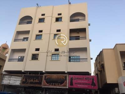 3 Bedroom apartment | Near corniche | Cheapest | Clean