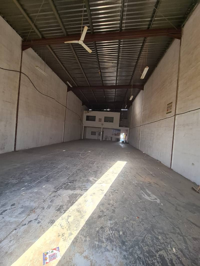 3000 square feet excellent warehouse with office for rent in Al Quoz 4