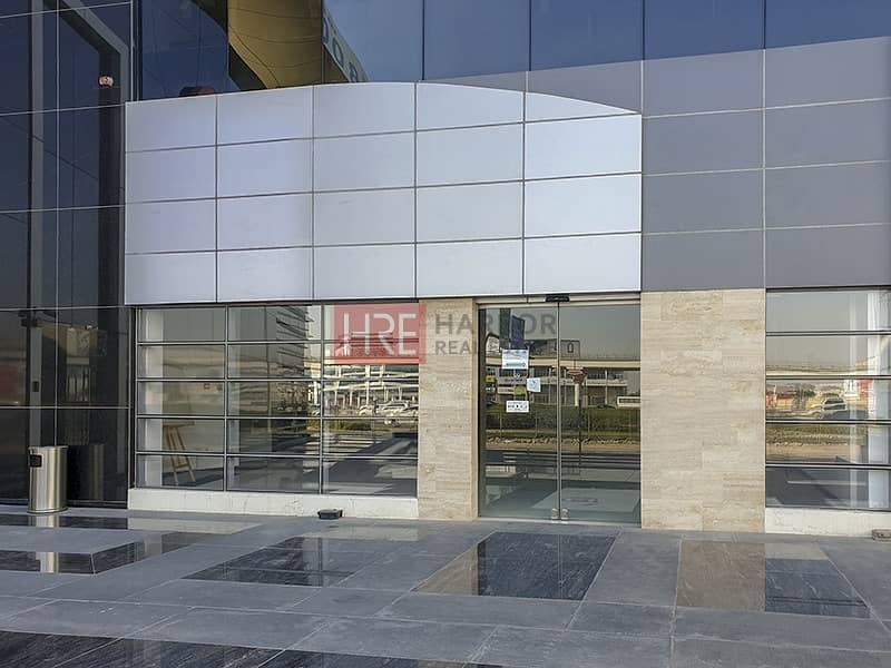 Large Showroom | Prime Location | Semi Fitted