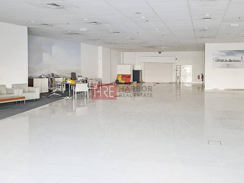 2 Large Showroom | Prime Location | Semi Fitted