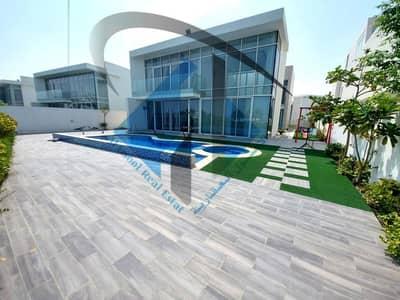 5 Bedroom Villa for Sale in Al Zorah, Ajman - Luxury villa overlooking the golf course in Ajman freehold