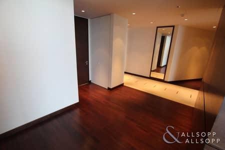 فلیٹ 3 غرف نوم للايجار في وسط مدينة دبي، دبي - High Floor | Upgraded Unit | 3BR + Maids