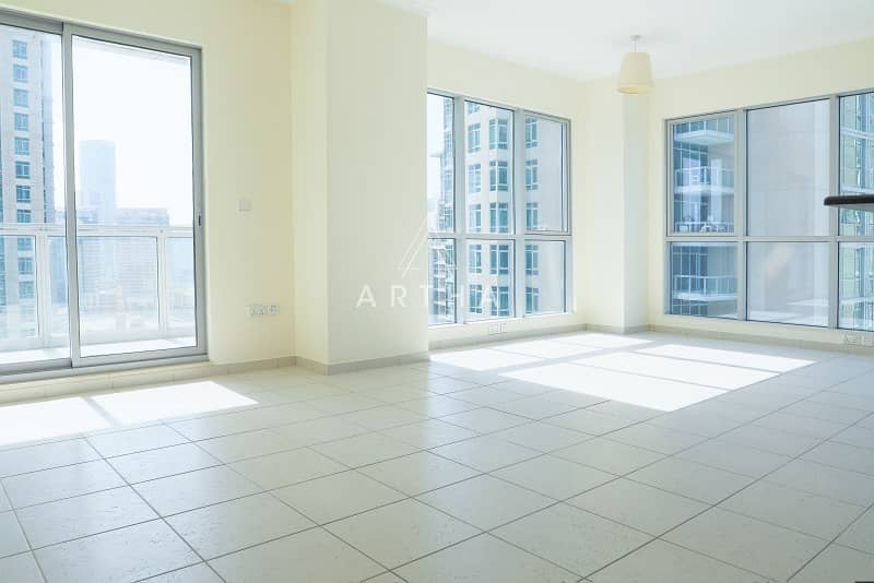 2 Vacant   Well maintained   On a high Floor