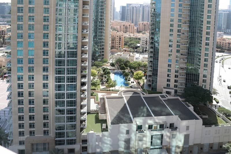 19 Vacant   Well maintained   On a high Floor