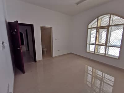 4 Bedroom Flat for Rent in Al Jimi, Al Ain - Four master rooms (four bathrooms) and a kitchen o