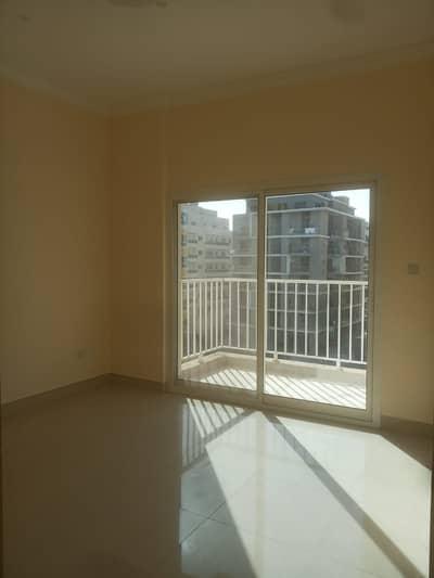 فلیٹ 1 غرفة نوم للايجار في الورقاء، دبي - غرفة و صالة | بدون عمولة | أول ساكن