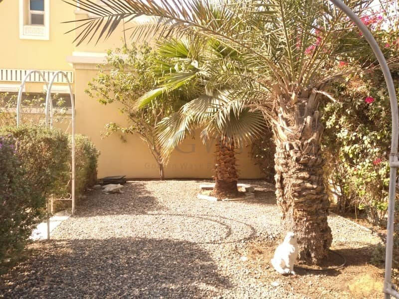 2 Landscaped Garden | Arabic Style | Easy Access |