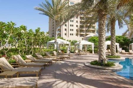 تاون هاوس 3 غرف نوم للبيع في نخلة جميرا، دبي - Triplex 3 Bedroom Townhouse with Pool!