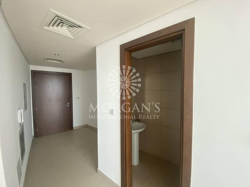 2 Sea View | Furnished | 1 Bedroom | High Floor