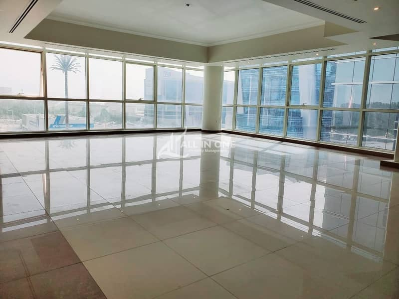 25 Sophisticated Lifestyle! 3BR with Balcony!