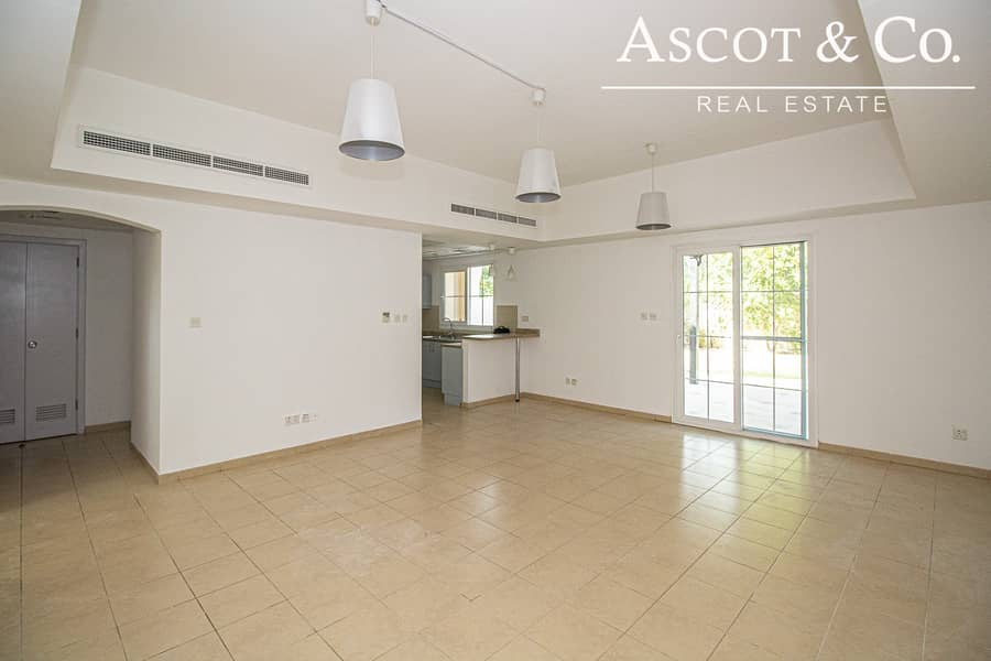 2 Vacant |Close to Pool |Landscaped Garden