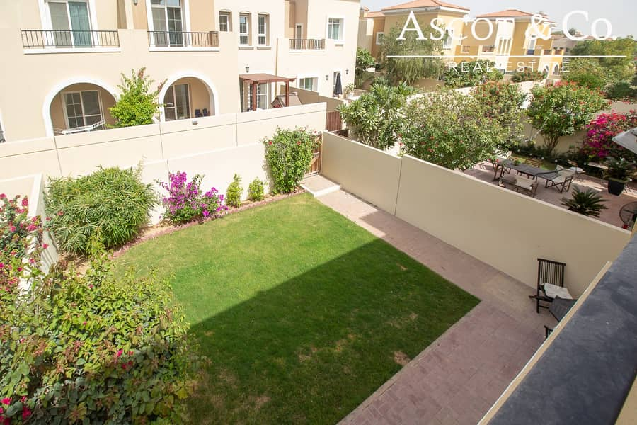 9 Vacant |Close to Pool |Landscaped Garden