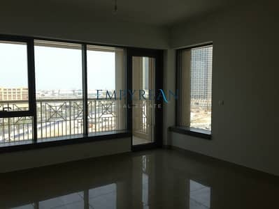 2 Bedroom Flat for Rent in Downtown Dubai, Dubai - 2BR with Study | Spacious Unit | City View