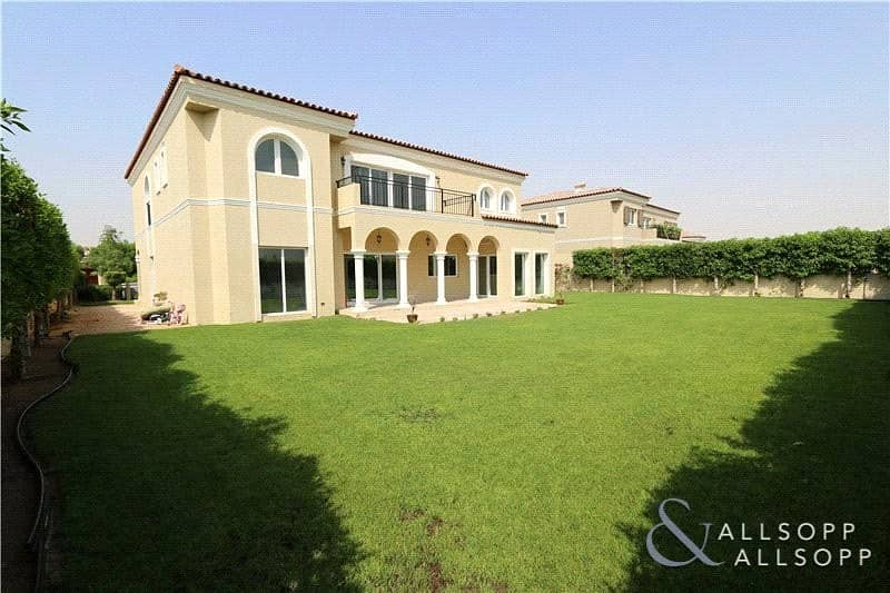 2 5 Bed Family Villa | Green Community West