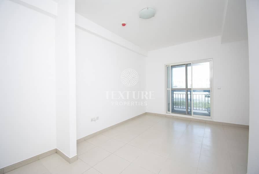 2 Best Deal | Spacious 1 Bed Apartment + Store