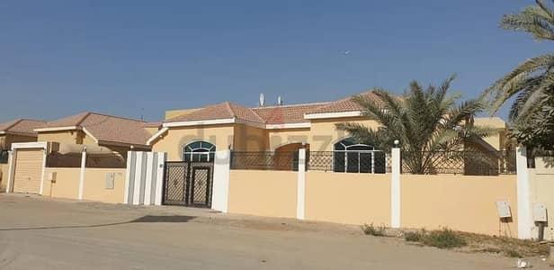 3 Bedroom Villa for Rent in Al Yash, Sharjah - Well Maintained 3 Bedroom+maidroom Villa for rent in Al Yash Sharjah