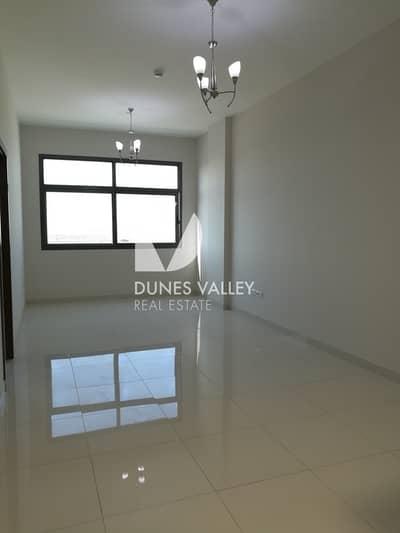 مبنى سكني  للايجار في مجمع دبي للاستثمار، دبي - Lower Price - Studio & 1 BR  Apt for rent in DIP