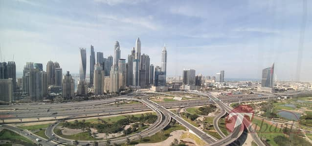 Office for Sale in Jumeirah Lake Towers (JLT), Dubai - Higher floor office for sale with Sky and Golf View in Jumeirah Bay