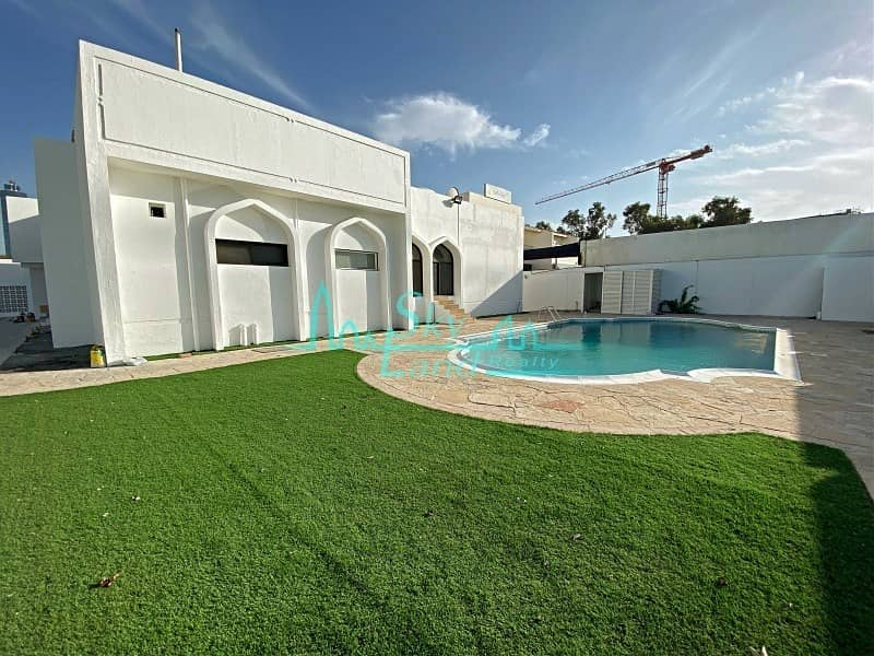 Renovated 4 Bed Single Storey Villa|Private Pool