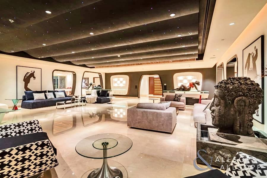 Full Floor Penthouse | 4 Bed | Upgraded